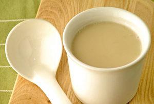 Настойка прополиса с молоком: основные свойства и применение прополисного молочка